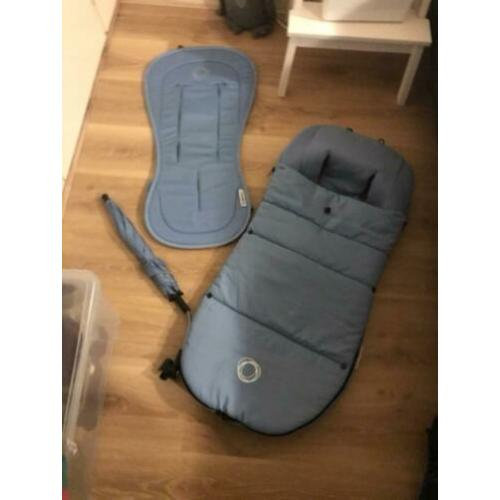 Bugaboo ice blue set (voetenzak, parasol, seatliner)