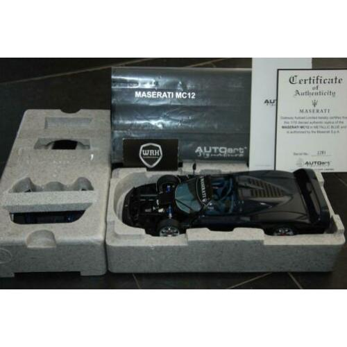 1:18 Maserati MC12 Road car blue Autoart signature WRH